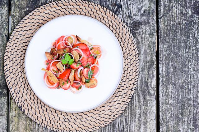 Lisboeta Review| recept tomaten- aardbeiensalade