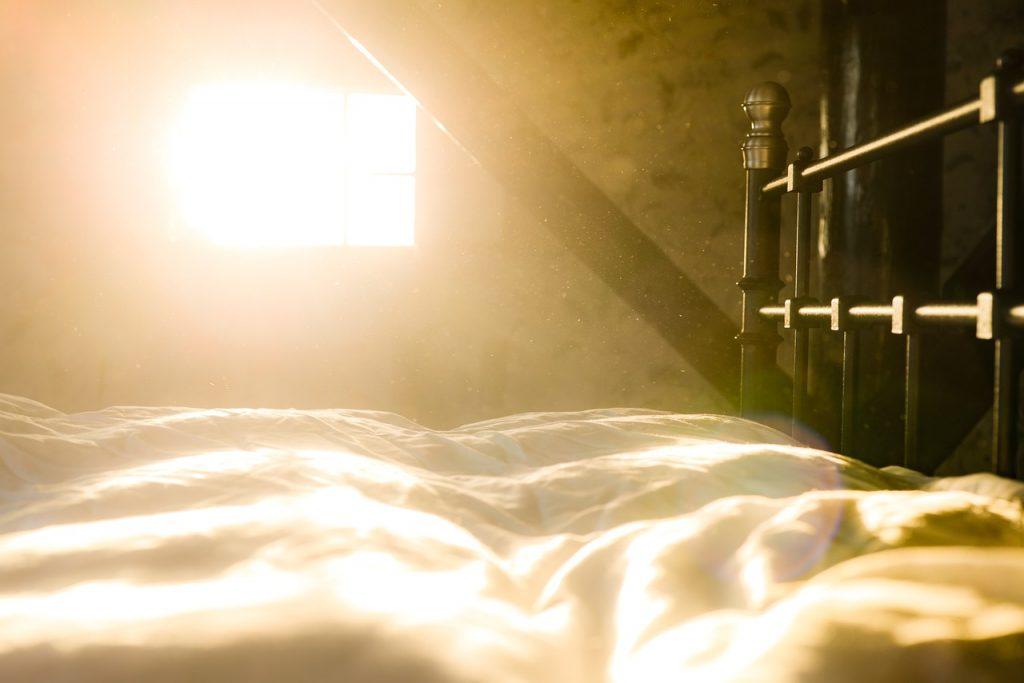 licht in slaapkamer voor energieker wakker worden