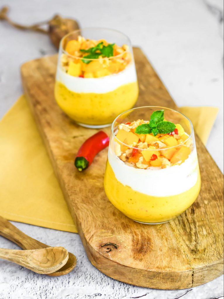 gezonde mango mousse met kokos en peper