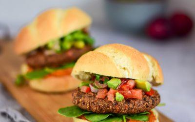 Zwarte bonen burgers met salsa (vegan)