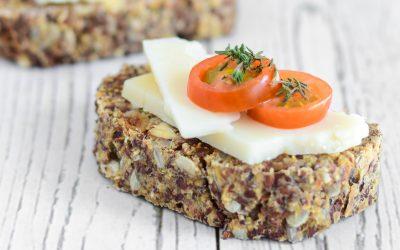 Eenvoudig en gezond notenbrood met zaden en vijgen