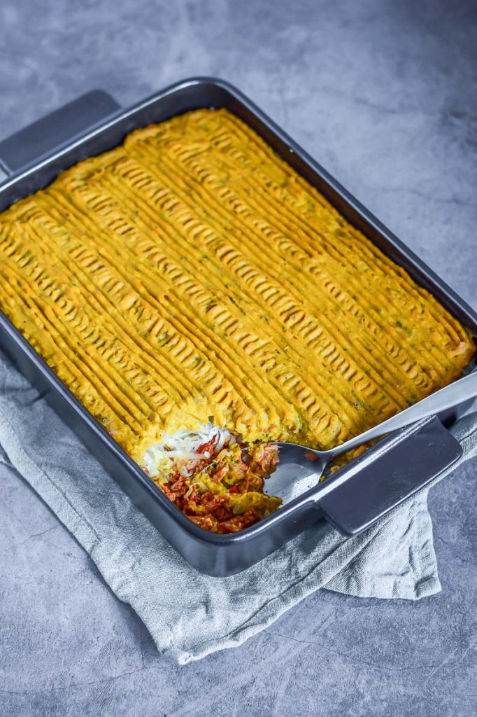 vegan zuurkool ovenschotel zoete aardappelpuree