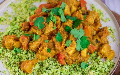Vegan kokos pompoencurry met zelfgemaakte currysaus
